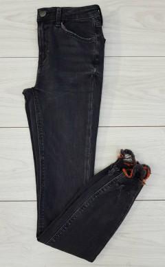 ZARA Ladies Jeans (BLACK) (24 to 34 EUR)
